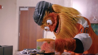 Gritty Shows Off His New Pet Hermit Crab, Claw'd