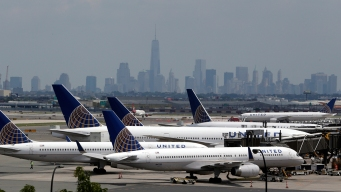 NJ Man Sues United, Claims Fellow Passenger Urinated on Him
