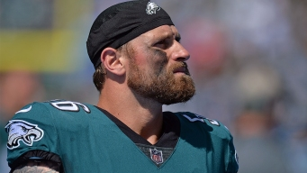 Eagle Chris Long to Play for Free