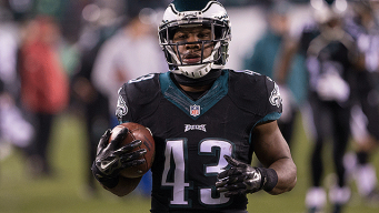 Darren Sproles Inks Extension to Stay in Eagles Nest