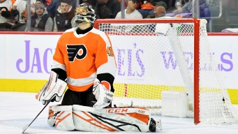 Flyers Collapse in 3rd Period in 1st Game Post-Ron Hextall