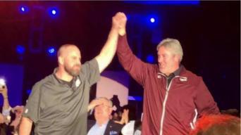 Jon Dorenbos Brings Magic, Eagles Coach to Stage