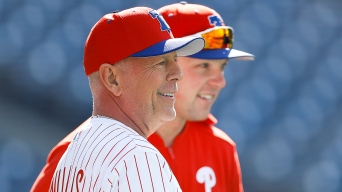 Bruce Willis Meets Phillies Players Ahead of His First Pitch at CBP