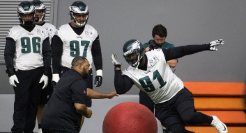 Eagles OTAs Day 1 Observations: Linebacker Suffers Serious Injury