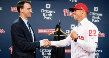 Phillies GM's Confidence in Manager Is Unshaken
