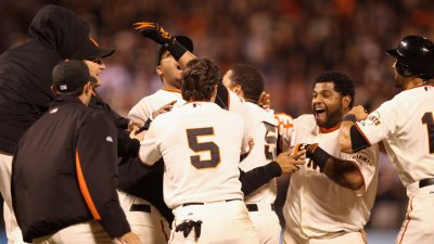 Giants Win Pitching Duel in 11th Inning