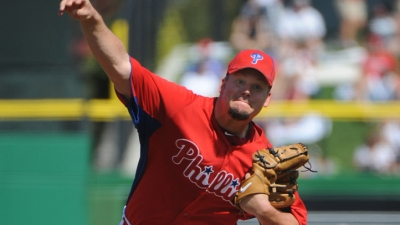 Blanton, J-Roll Lead Phils to Victory