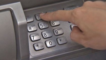 ATM Workers Forget Bag of Cash, Man Drives Off With $150K