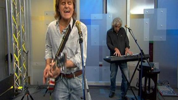 John Parr Performs