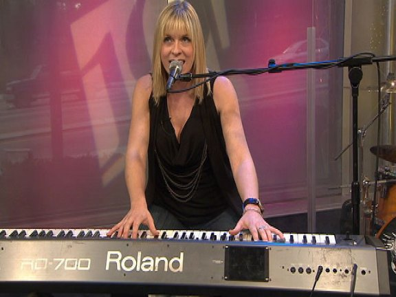 Christy Jefferson Performs on The 10! Show