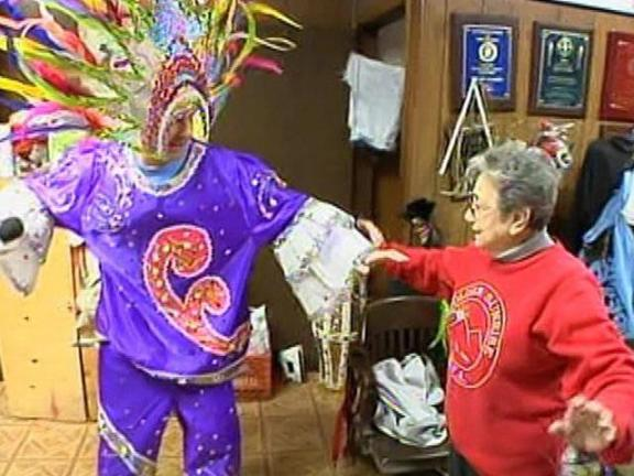 Pizzi Gets Dressed--Mummers Style