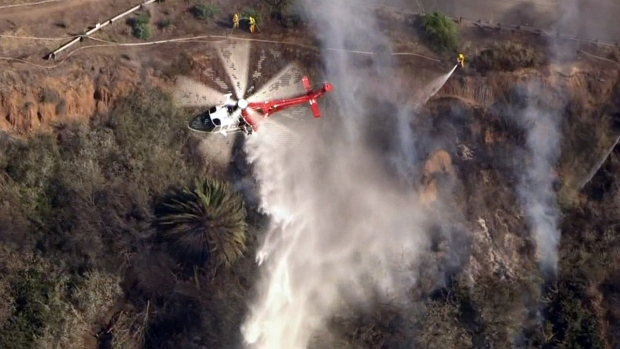 [PHOTOS UPDATED 11/102] Southern California Wildfires
