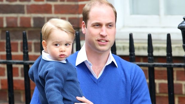 [NATL] Prince William Leaves Hospital, Returns With Prince George