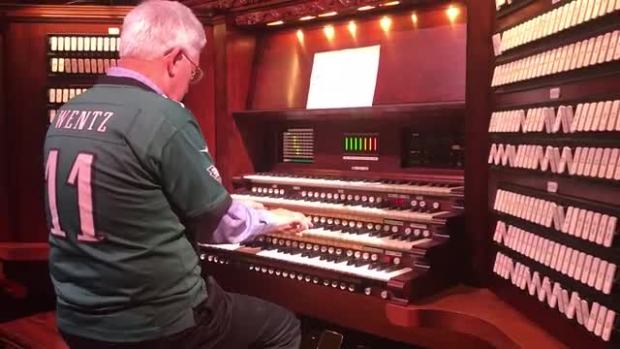'Fly, Eagles Fly' on the Longwood Organ