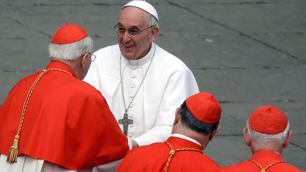 [PHI] Interns Recall Pope's Election