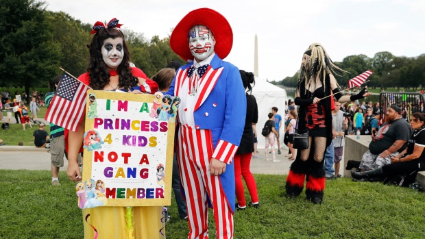 [NATL]'Not a Gang Member': Insane Clown Posse Fans Protest in Photos