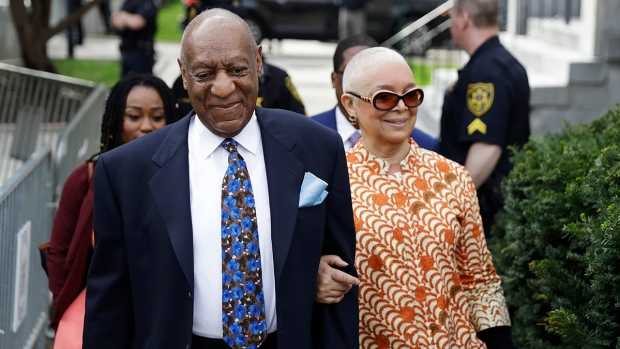 Cosby Shows to Closing Arguments With Wife by His Side