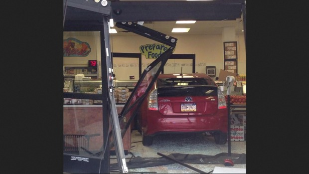 [PHI] Car Slams Into Deli