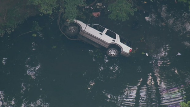 [PHI] Woman Saved After SUV Plunges Into Water