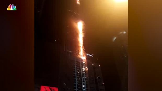[NATL] Firefighters Battle Blaze at Dubai High-Rise