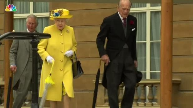 [NATL] Queen Elizabeth Holds Moment of Silence for Victims of Manchester Attack