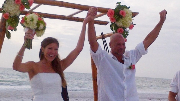 Former Phillie Darren Daulton Marries