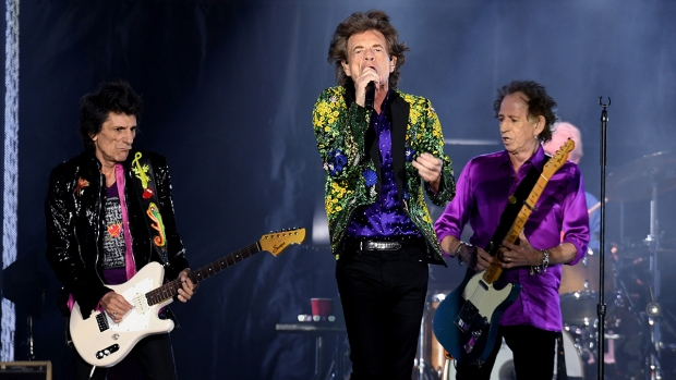 Top Celebrity Photos: Rolling Stones, Taylor Swift Performs