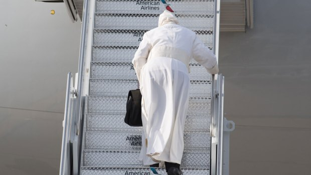 [NATL] Pope Francis Stumbles to Plane, Never Stops Smiling