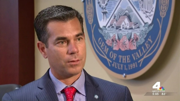 [LA] Murrieta Mayor Feels Conflicted on Border Issues