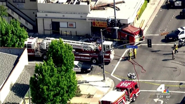 [LA] 15 Injured in Fire Truck Collision Including Firefighters, Restaurant Customers