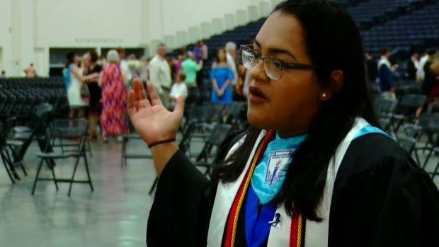 [NATL] Valedictorian Announces Her Undocumented Status in Speech