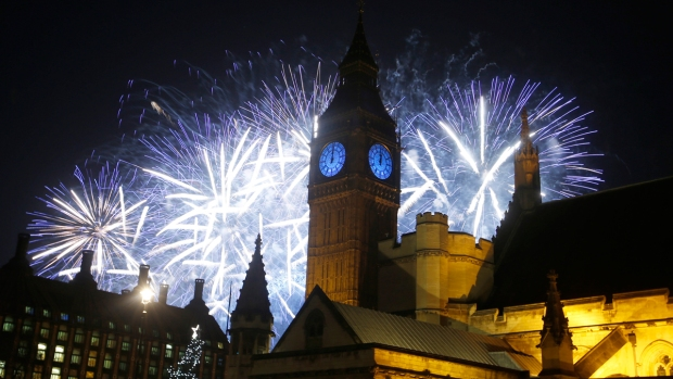[NATL] New Year's Eve 2016: Top Photos From Around the Globe