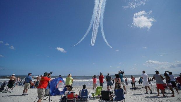 Beachgoers Look Toward the Sky for AC Airshow