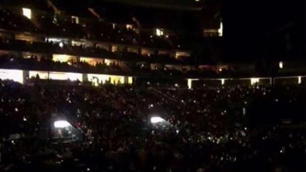 Power Outage at NJ Arena Leaves Garth Brooks Fans in the Dark | NBC