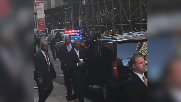 [NATL] Obama Draws Crowd in New York