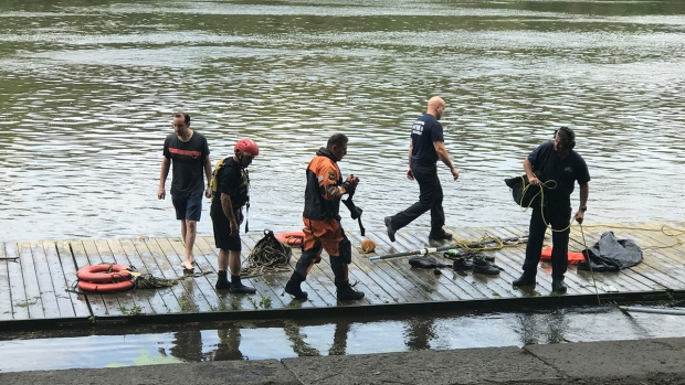 [PHI] Young Boy in Critical After Being Pulled Out of Schuylkill River