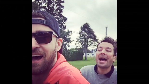 [NATL] 'Tonight': Timberlake and Fallon Go 'Bro-Biking'