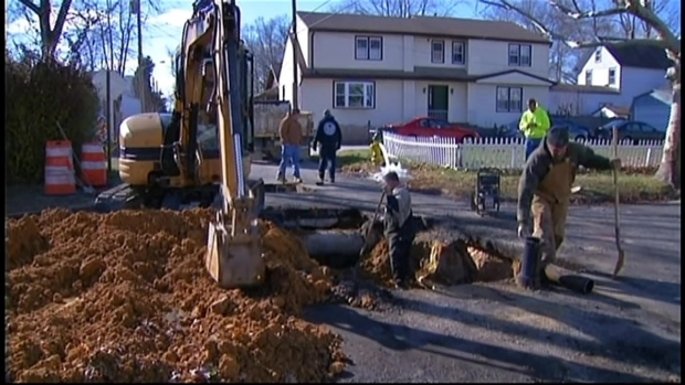 [PHI] Thanksgiving Sinkhole Leaves Residents Without Water