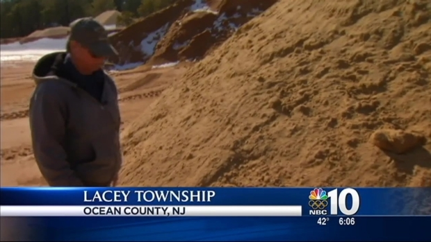[PHI] Salt Shortage Forces Towns to Get Sand