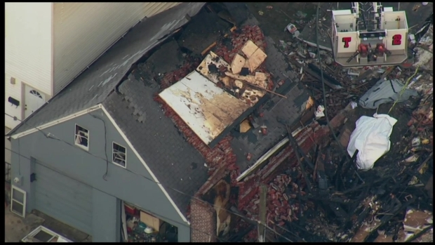 [PHI] SkyForce10: Scene of Deadly House Fire & Collapse