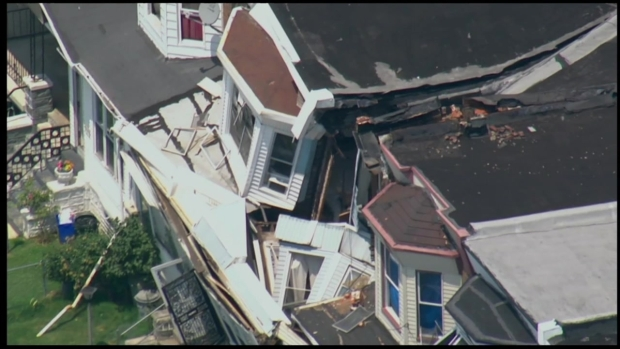 [PHI] Roofs, Homes Collapse in Cobbs Creek