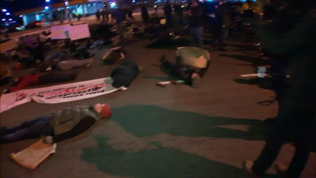 [PHI] WATCH: Protesters Stage Die-In Outside Eagles Game