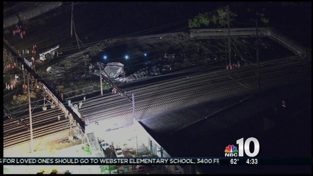 [PHI] Massive Wreckage After Amtrak Derailment