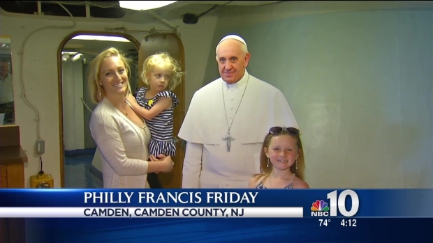 [PHI] 'Selfies' With Pope Francis on Battleship New Jersey
