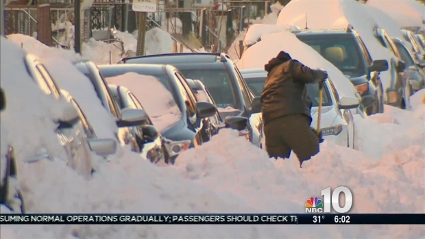 [PHI] Philadelphia Digging Out After Monster Blizzard Buries City