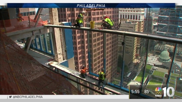 Comcast Innovation and Technology Center Glass Installation