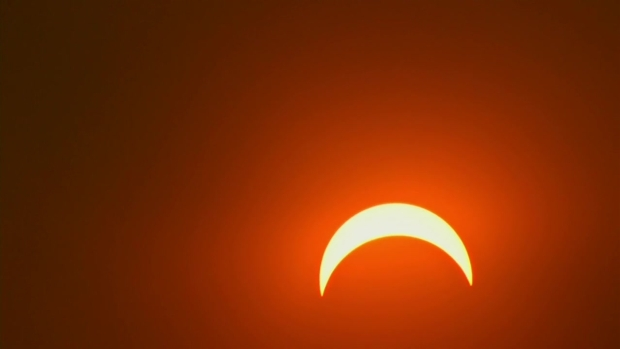 Time-Lapse: Solar Eclipse Reaches Max in Philly