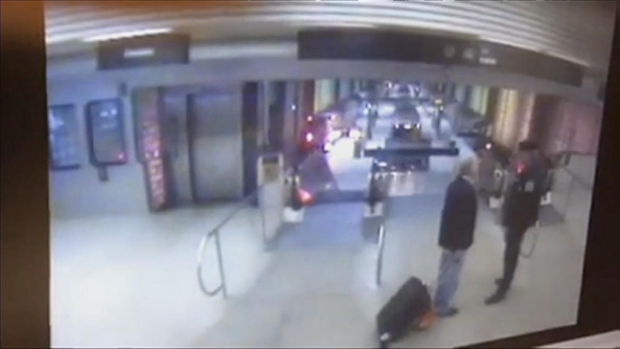 [CHI] YouTube Video Appears to Show Blue Line Derailment