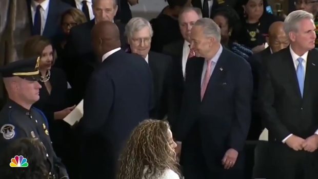 Pallbearer at Cummings' Ceremony Appears to Snub McConnell