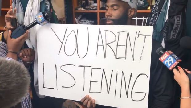 Eagles Malcolm Jenkins Uses Cards to Get Message Across